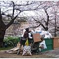 大阪城-公園拾荒老人.JPG