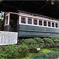 平安神宮-日本最古老電車.JPG