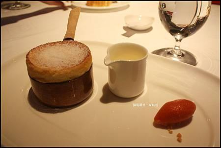 A cut-甜點擺盤.JPG