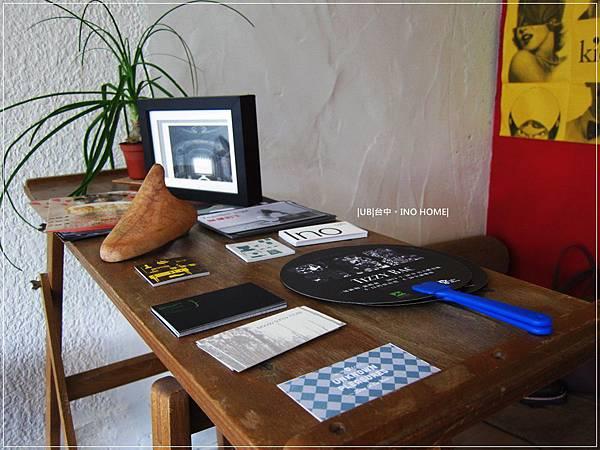 INO home-木桌.JPG