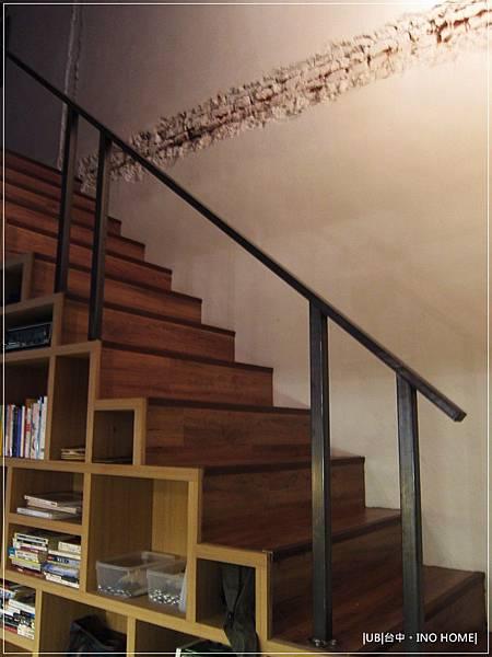 INO home-樓梯.JPG