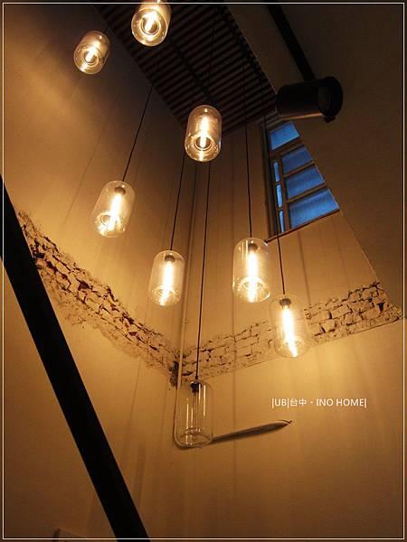INO home-樓梯燈.JPG