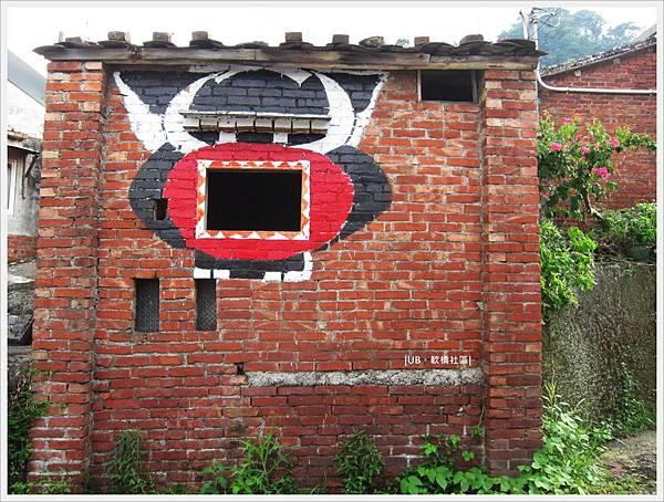 軟橋社區-紅磚牆框.JPG