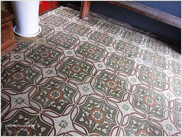 煙燻-地板磚.JPG