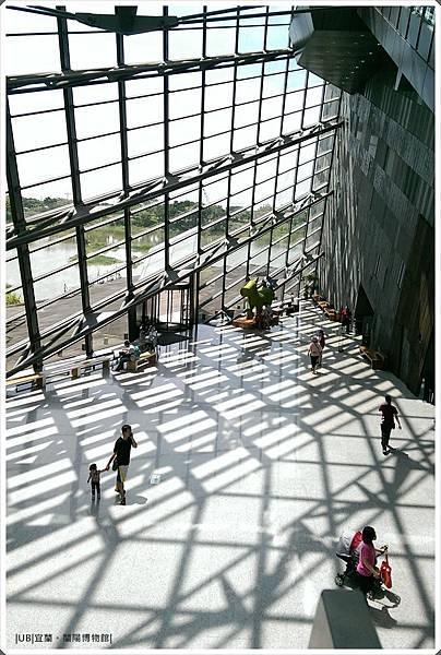 蘭陽博物館-高處館內透窗-2.jpg