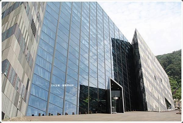 蘭陽博物館-側面-2.JPG