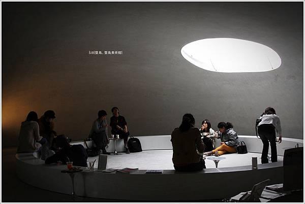 豐島美術館-咖啡館-4.JPG