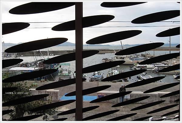 豐島2-cafe IL VENTO 2F-窗外港口.JPG
