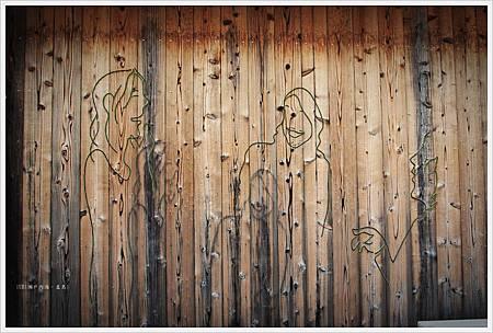 直島-本村港-木牆.JPG