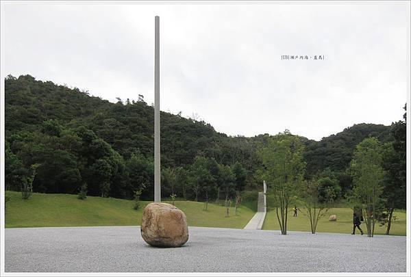 直島-美術-李宇煥美術館-2.JPG