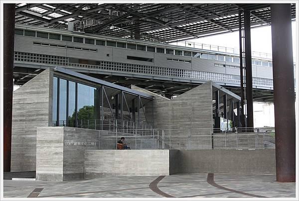 羅東文化工場-大棚架下-1.JPG