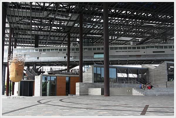 羅東文化工場-大棚架下-2.JPG