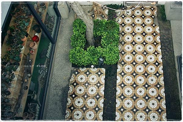 綠光計劃-1樓磁磚地板.JPG