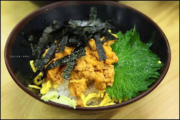 和歌山-白濱魚市場-海膽丼.JPG