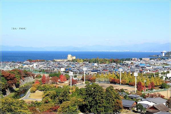 彥根城-天守閣前遠景.JPG