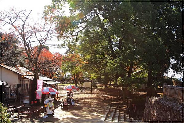 彥根城-西之丸三重櫓前廣場-1.JPG