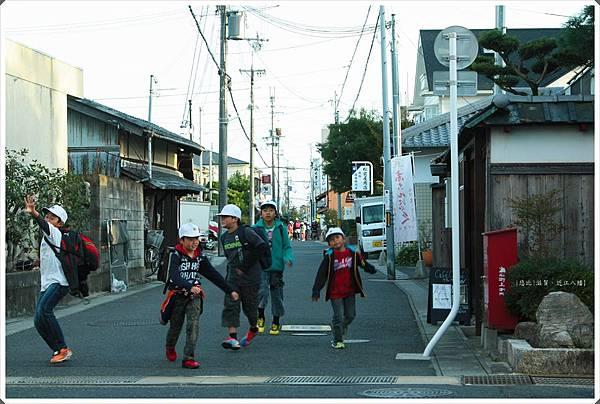 近江八幡-町家-小學生.JPG