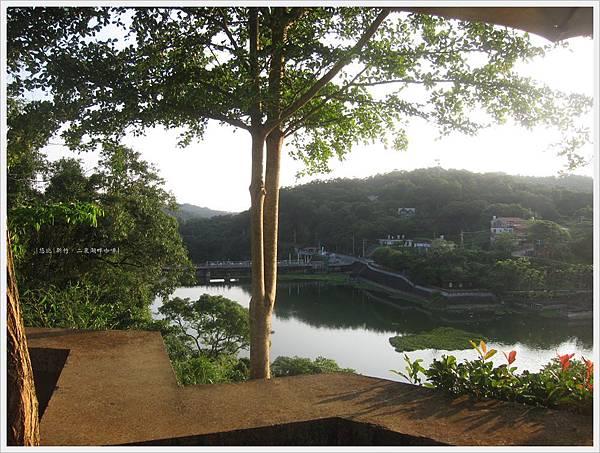 二泉湖畔-戶外峨嵋湖-1.JPG