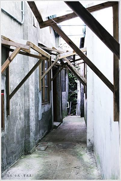 寶藏巖-小窄巷-1.JPG