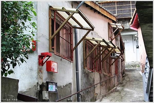 寶藏巖-小窄巷-2.JPG
