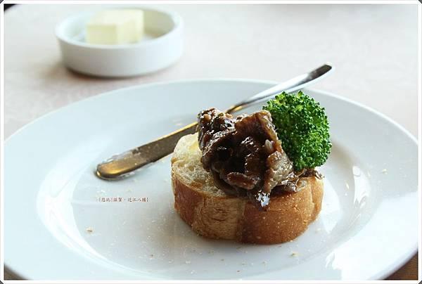 近江八幡-Tiffany-麵包+牛肉.JPG