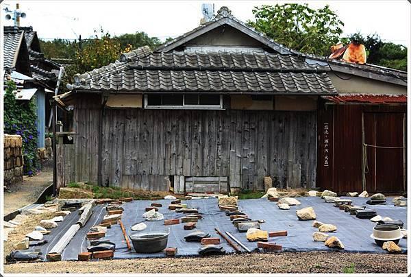犬島-石職人的家跡旁.JPG