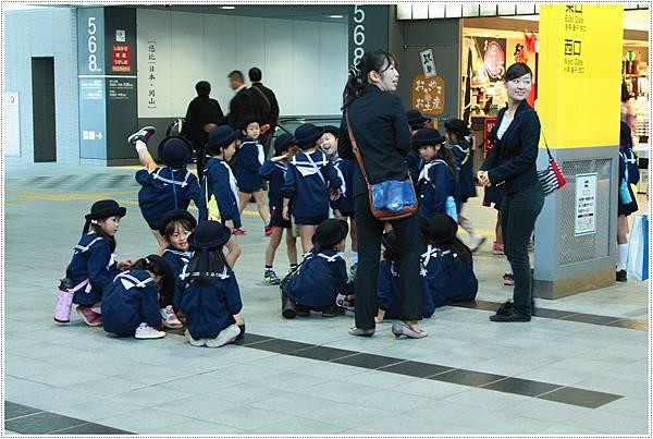岡山車站-學生.JPG