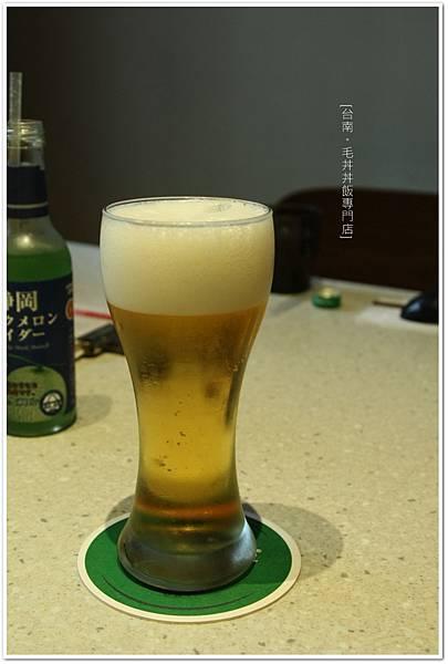 毛丼-沖繩生啤酒.JPG