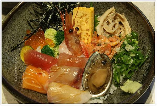 毛丼-盛合海鮮丼-2.JPG