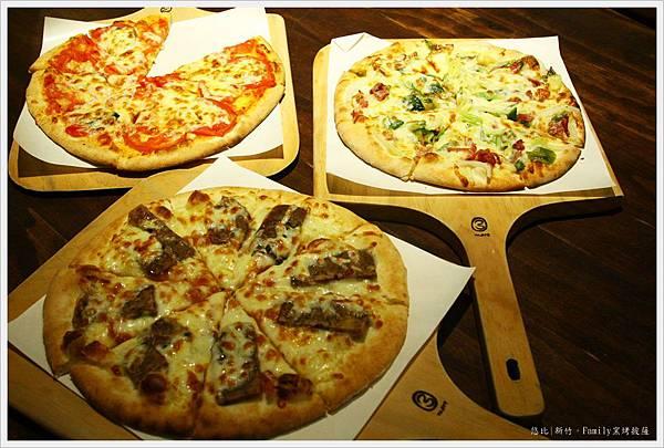family-披薩們.JPG