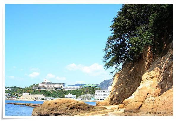 小豆島-天使的散步道-潮間帶小島上樹木-2.JPG