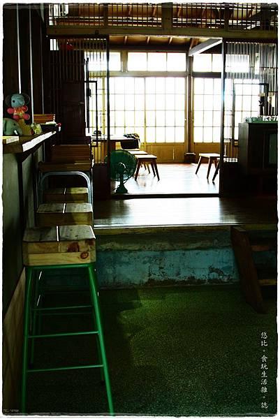 拾光机-店內-後方座位-2.JPG