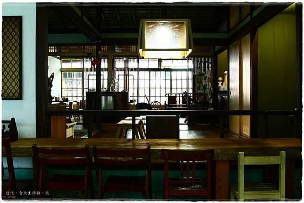 拾光机-店內-後方座位-5.JPG