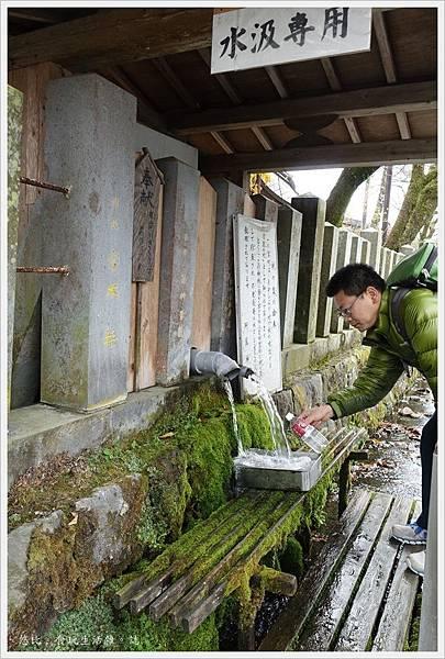阿蘇神社-長生泉.JPG