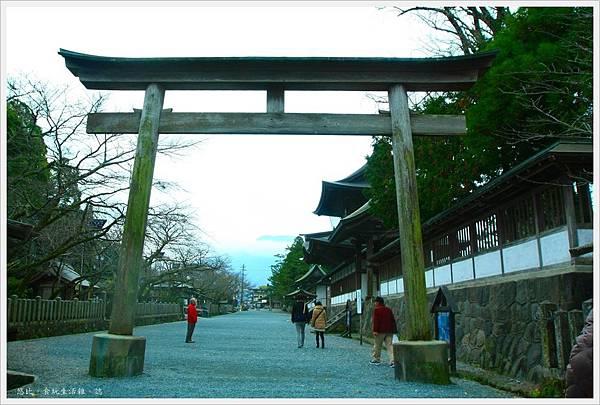 阿蘇神社-參道鳥居.JPG