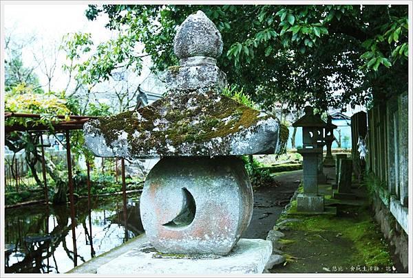 阿蘇神社-常夜燈-1.JPG