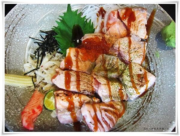 鮮極-炙燒鮭魚親子丼-1.JPG
