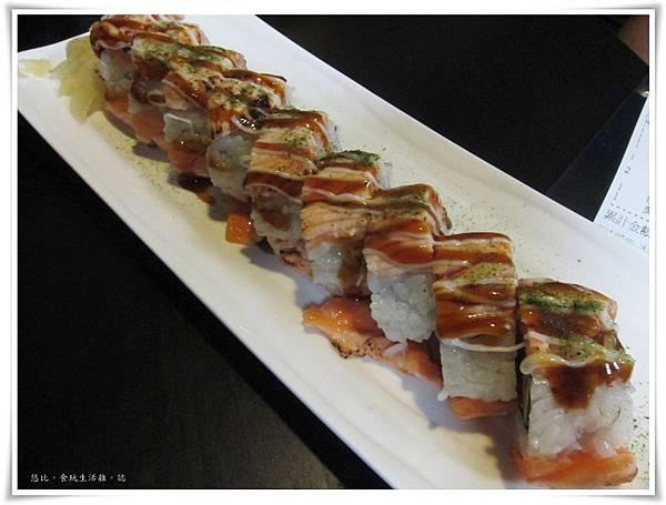 鮮極-炙鮭卷壽司-3.JPG