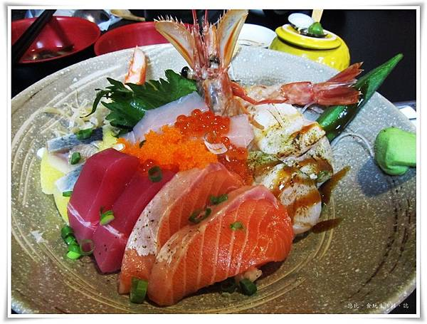鮮極-豪華海鮮丼-1.JPG