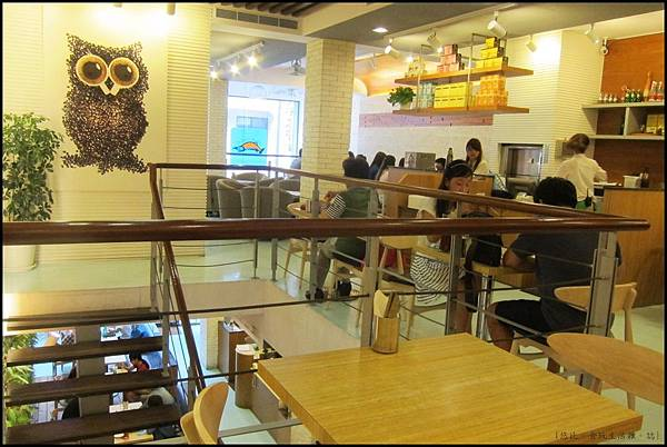 鮭魚咖啡-2F座位-4.JPG