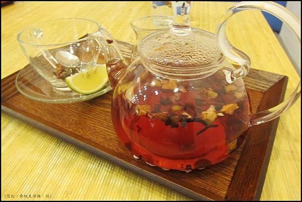 鮭魚咖啡-野莓珍果茶-1.JPG