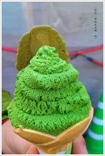 由布院-湯之坪-SNOOPY茶屋-霜淇淋-2.jpg