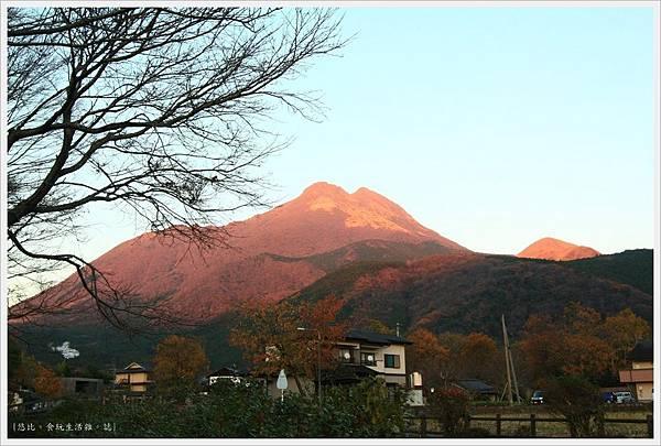 由布院-黃昏的由布岳-2.JPG