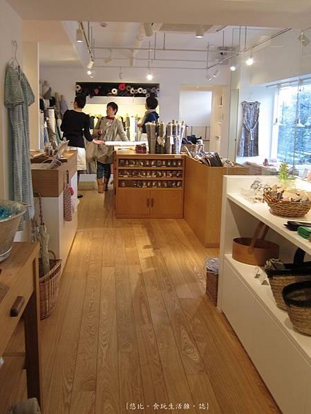 蘆屋-蘆屋川旁商店-2.JPG