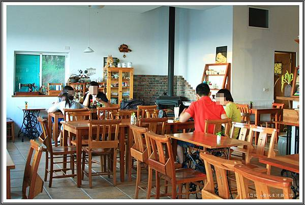 MITAKA 3e CAFE-咖啡館內-7.JPG