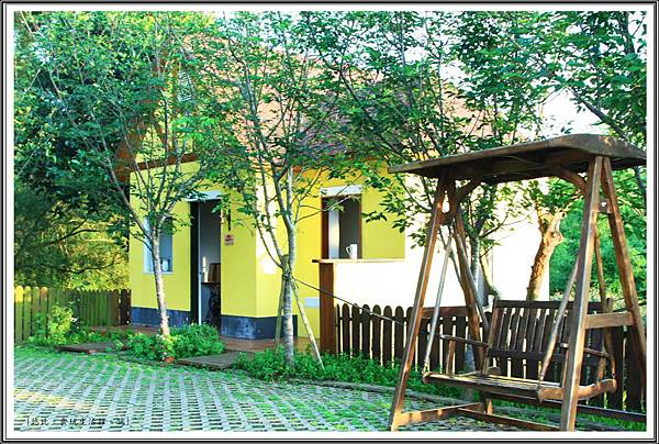 MITAKA 3e CAFE-黃色小屋.JPG