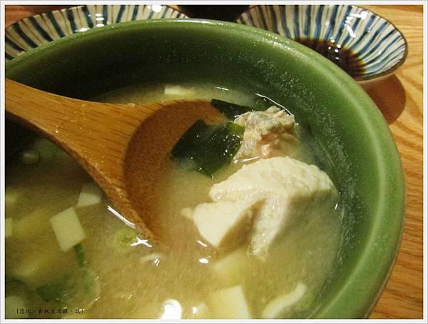 魚鮮會社-味噌湯.JPG