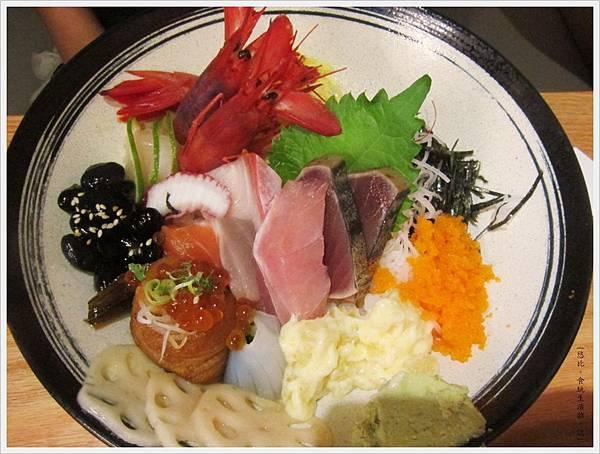 魚鮮會社-豪華海景丼-1.JPG