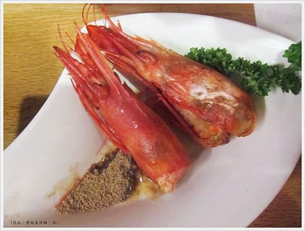 魚鮮會社-豪華海景丼-烤蝦頭.JPG