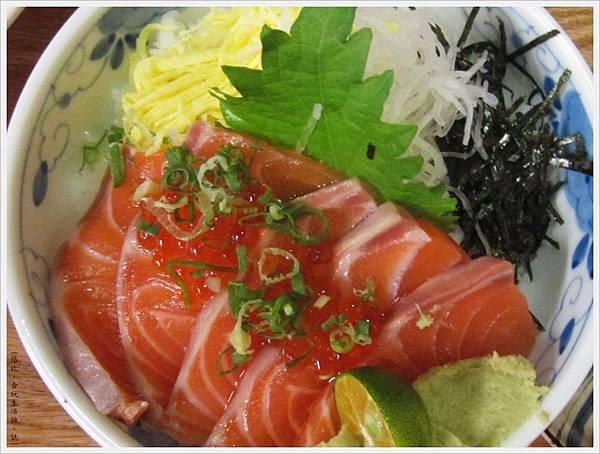 魚鮮會社-鮭魚親子丼-3.JPG